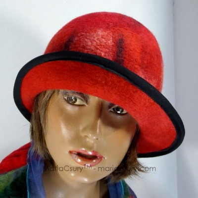 Red_felted_hat