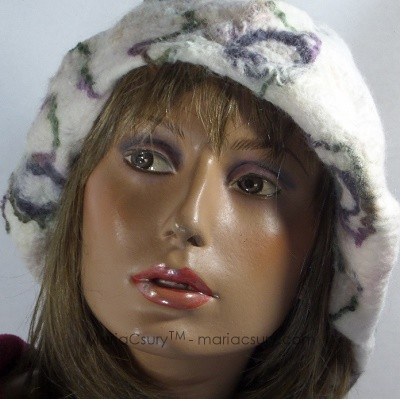 Felted white reversible hat beret