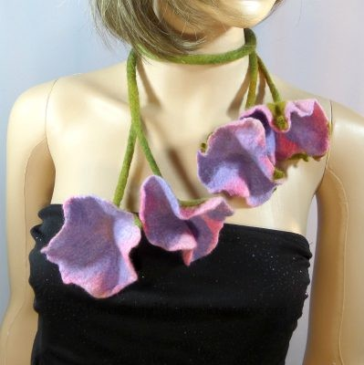 felted_pink_petunia_necklace-jewelry
