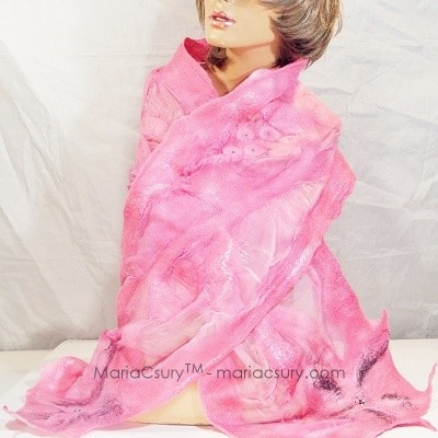 Felted_pink_women_scarf_shabby_chic