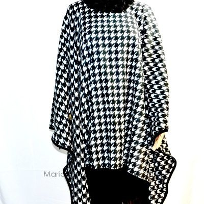 handmade_black_white_fleece_hounds_tooth_cape