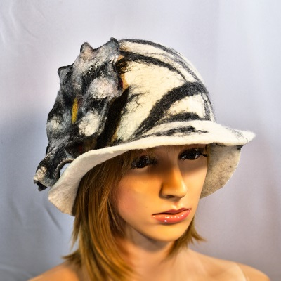 white_black_felted_wool_hat_cloche