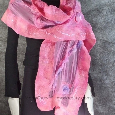 Felted_pink_woman_scarf_shabby_chic