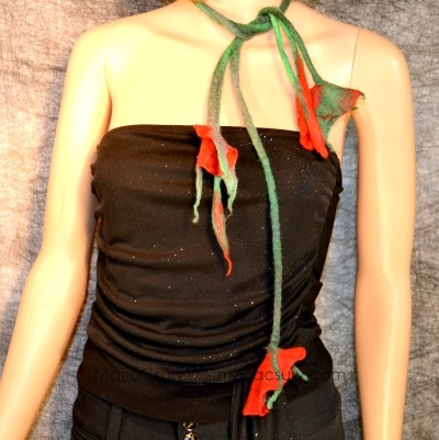 felted_red_flower_necklace_jewelry